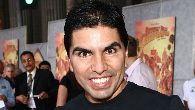 News video: Piolin Files Lawsuit Against Former Radio Employees